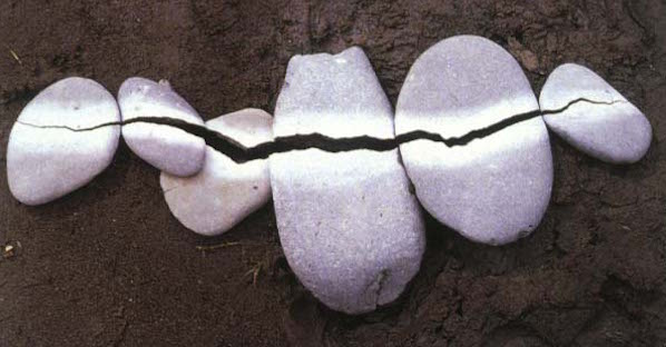 andy goldsworthy_pebbles