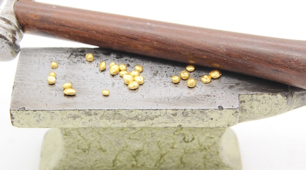 Gold Grains_Anvil_Hammer_Studio POPPYOR